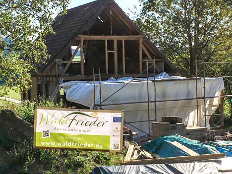 Banner für die Baustelle der Waldfrieder Ferienwohnungen