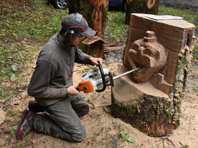 Aus Holz wird Kunst