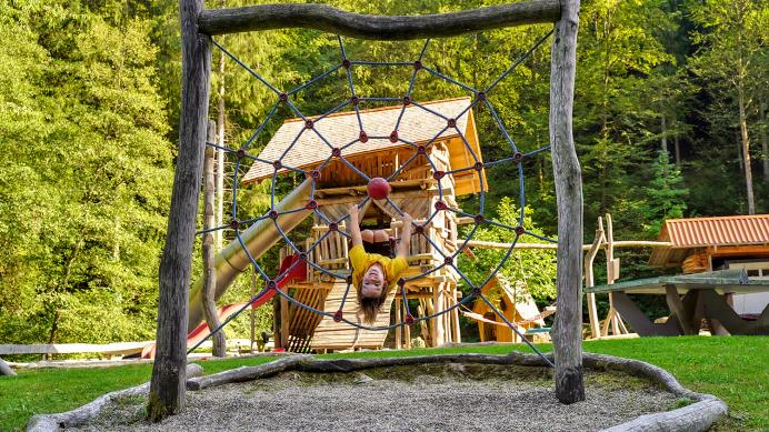 Spielplatz - Heimatwegle Oberwolfach Kirche