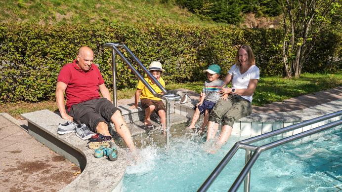 Wassertretanlage - Heimatwegle Oberwolfach Kirche