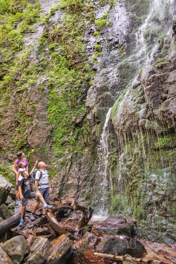 Familienerlebnis: Burgbach-Wasserfall