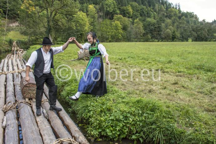 Lehengericht Tracht - Der Flößer und das junge Mädchen