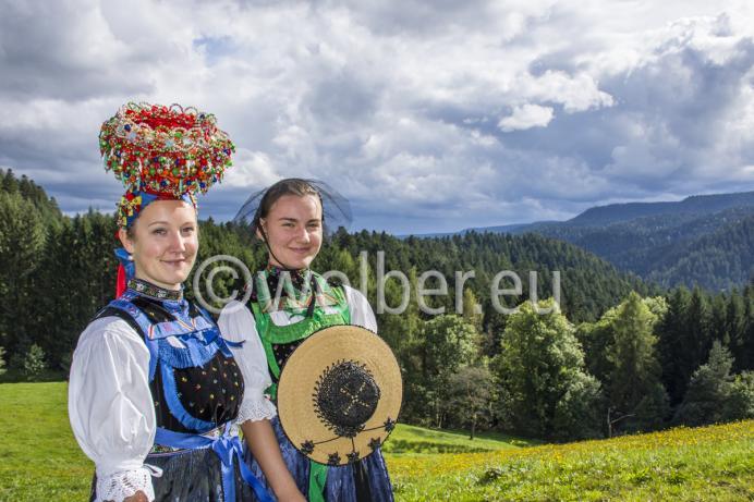 Lehengericht Tracht - Schäppel und Rosenhut