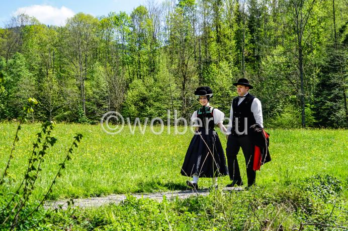 Der schwarze Bollenhut - verheiratetes Trachtenpaar