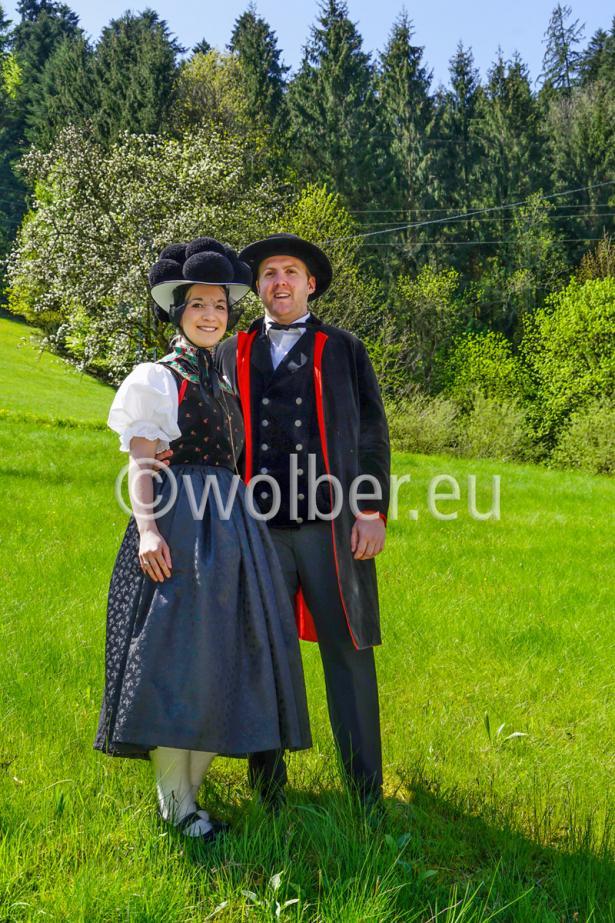 Trachtenpaar in Kirnbach im Schwarzwald